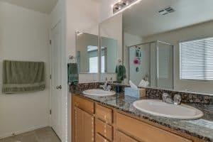 10849 Noble Mesa Ave Las Vegas NV 89166 Interior bath